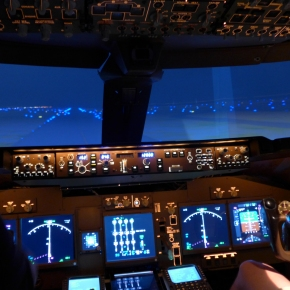 A visit to a local 747 sim builder